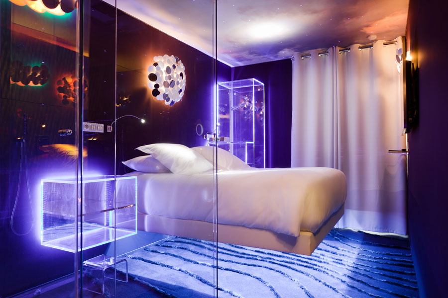 paris hotels and social media some lagging behind others at the forefront. Black Bedroom Furniture Sets. Home Design Ideas